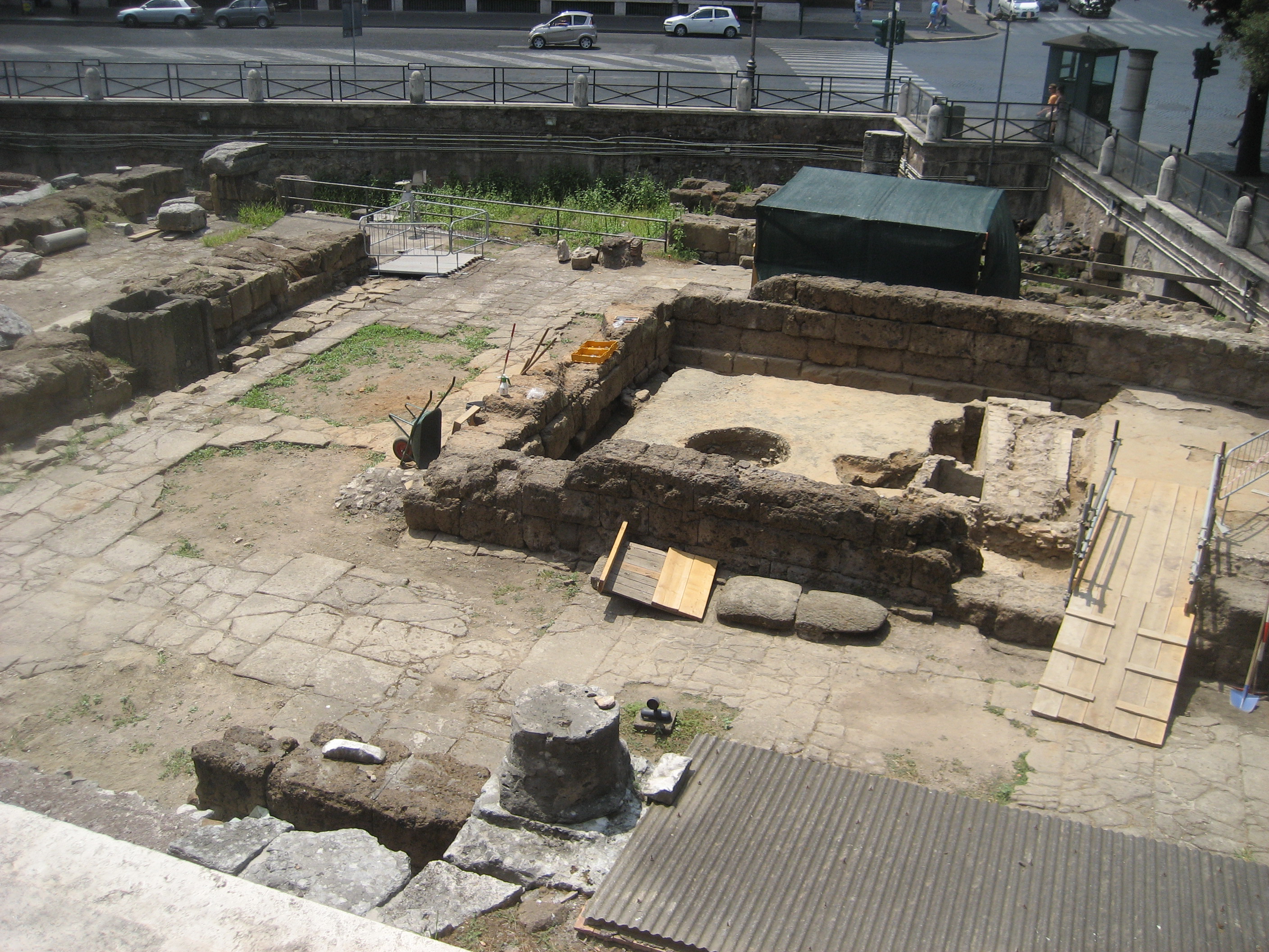 """Excavation in progress of the Sanctuary of S. Omobono in Rome"" (photo © Claudia Moser)"